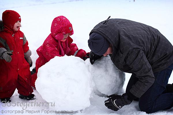 катать снеговик