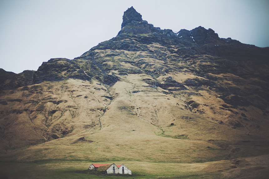 lonely houses iceland
