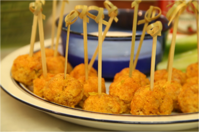 How To Cook A Wolf: Mini Buffalo Chicken Balls...