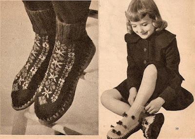 The Vintage Pattern Files: Free 1950's Knitting Pattern - Slipper Socks