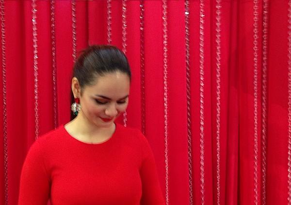 7 Gambar Fesyen gaun nipis Izara Aisyah di sambutan Hari lahir ke 22