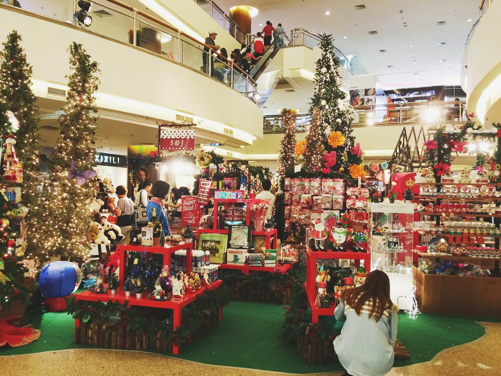 Christmas Booth Ideas Christmas Decorations Tgif Midvalley Melissat