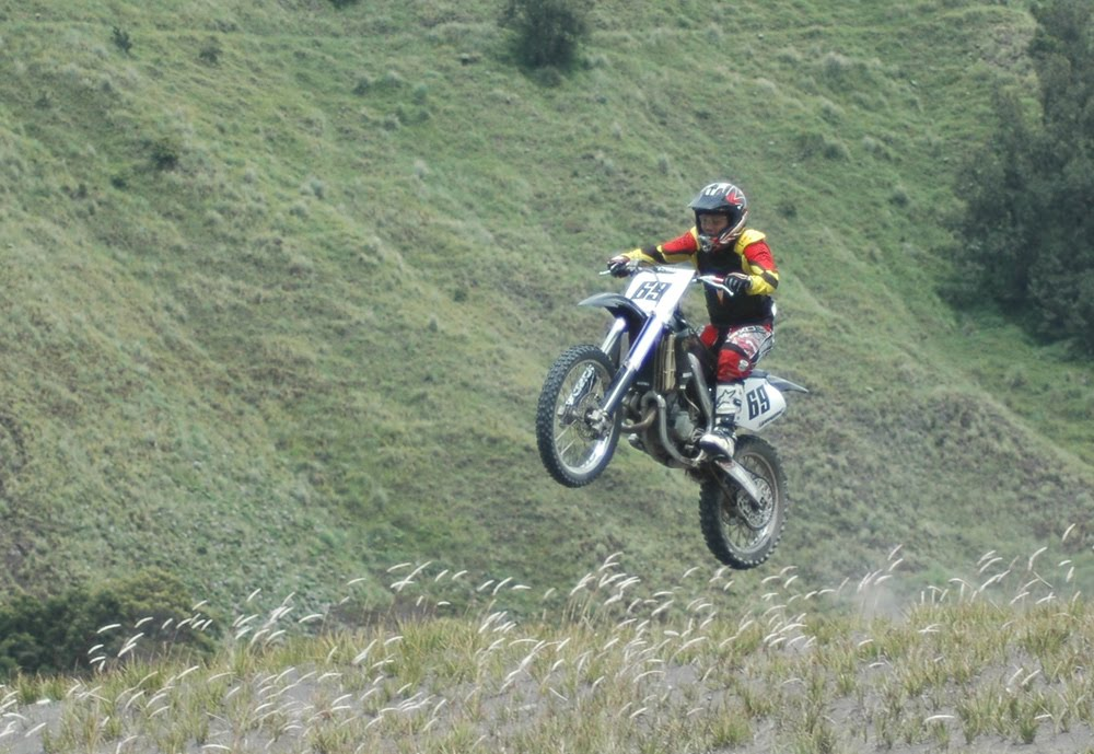 Trail Adventure Encyclopedia Perbedaan Antara Motor Tipe Cross Se