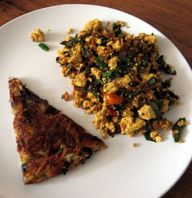 tofu scramble and potatoes rösti