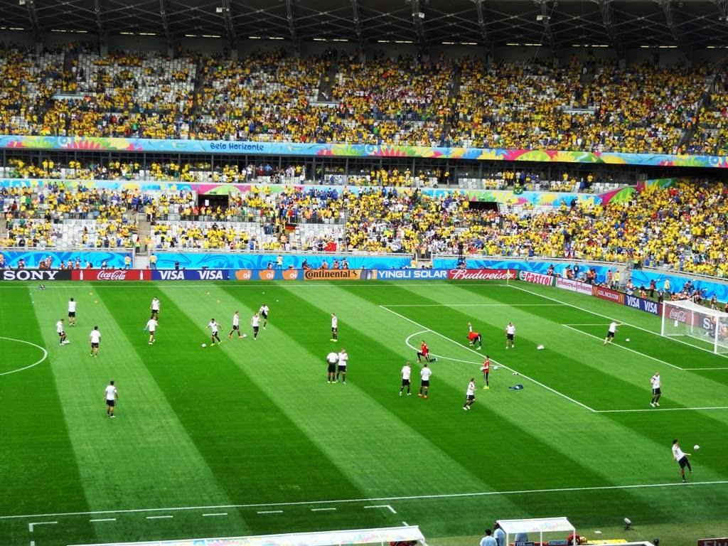 بعد خسارة المنتخب البرازيلي بخماسية أمام ألمانيا هل تعلم ماذا حدث في البرازيل بين الشوطين