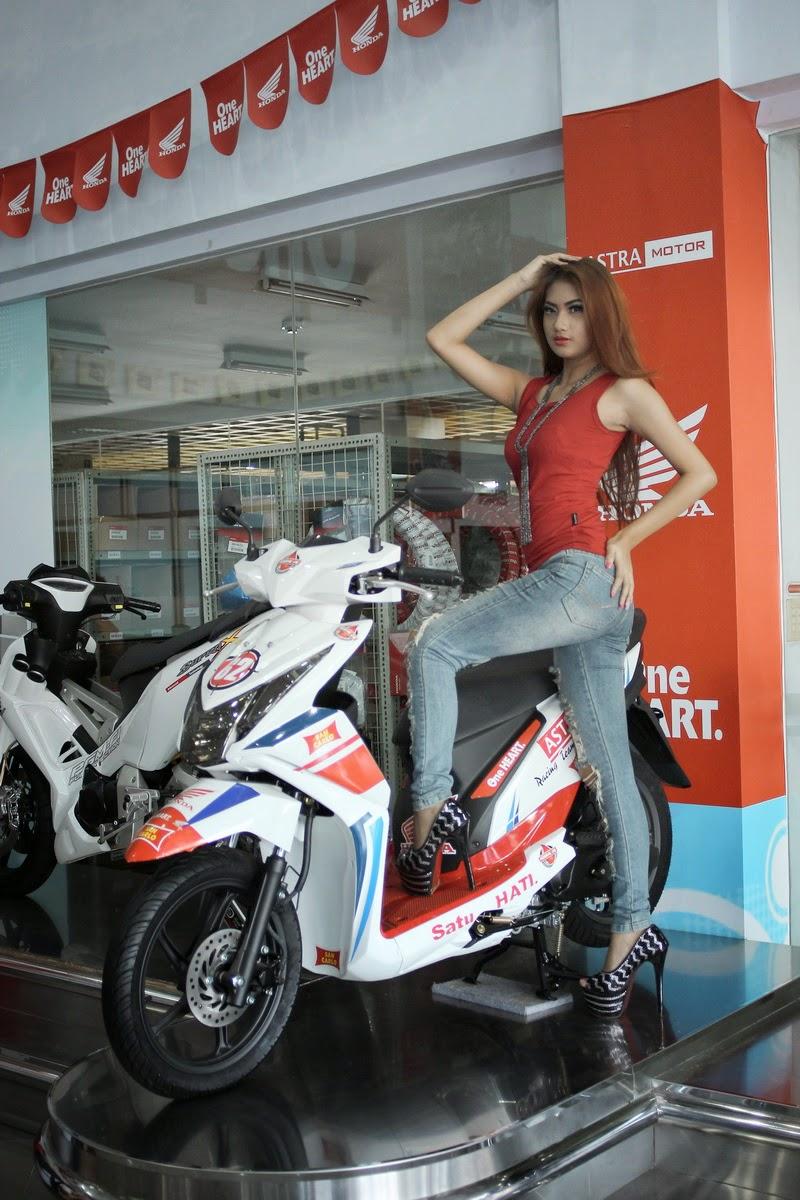 Honda Sexy Babes girl
