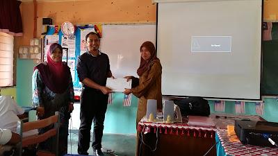Cikgu Hailmi Ceramah Sains PT3 di SMK Bandar Bukit Kayu Hitam