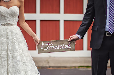 just married reclaimed wood sign5