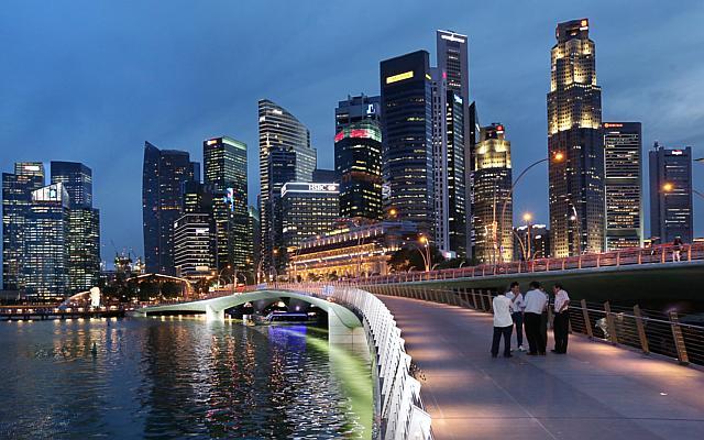 Cầu đi bộ ở Singapore
