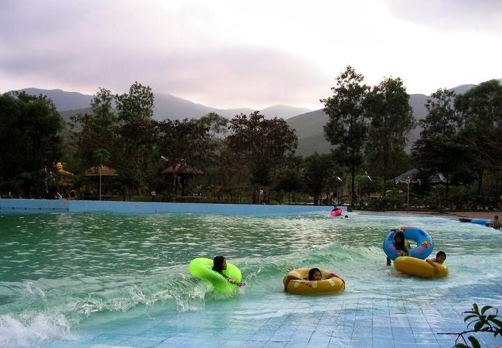 biển hồ suối nước nóng Thanh Tân