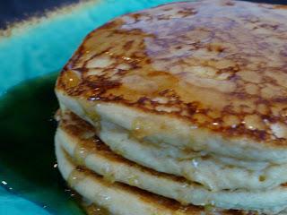 super good, gluten free, vegan pancakes! (aka pancakes for syrup)
