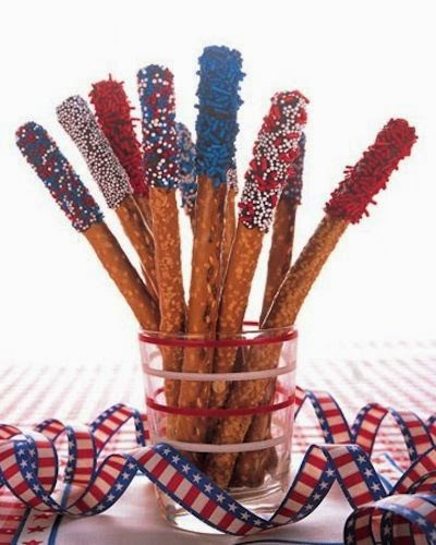 http://www.halfhourmeals.com/food-for-thought/memorial-day-patriotic-snacks-for-kids-10-red-white-and-blue-food-ideas/2/