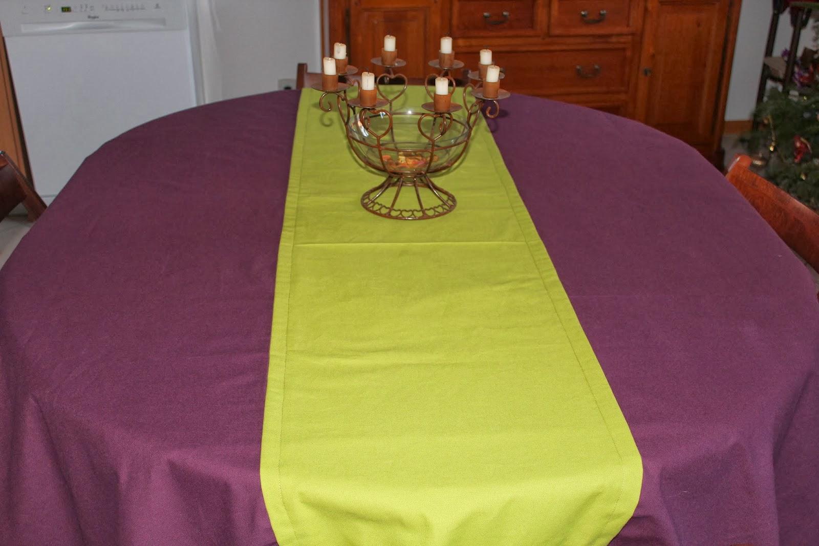 nappe de table winnie l 28 images nappe de table. Black Bedroom Furniture Sets. Home Design Ideas