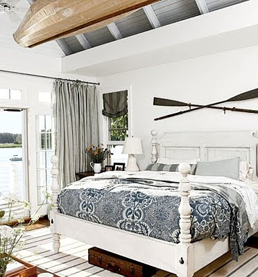 oars above headboard decorating nautical - Nautical Design Ideas
