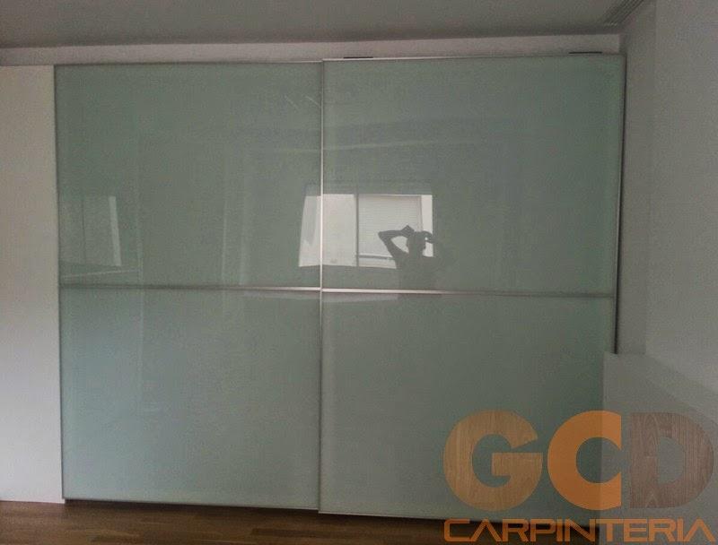 Armario con puertas correderas realizado por GCD carpintería