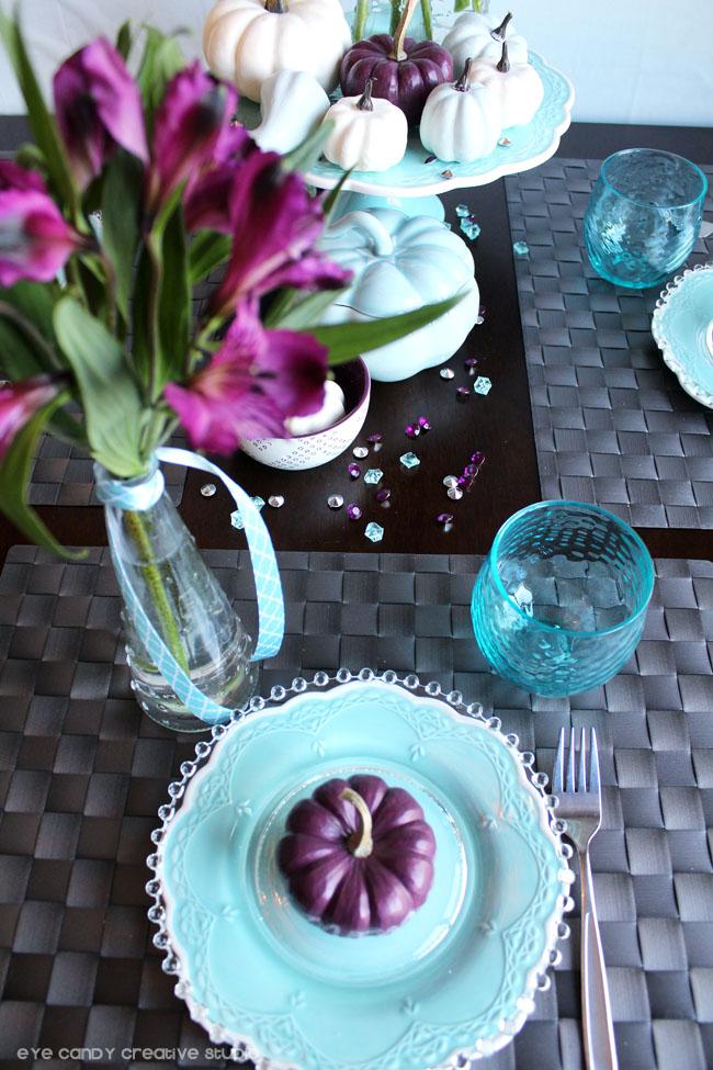 thanksgiving table decor, purple pumpkin, place setting for thanksgiving