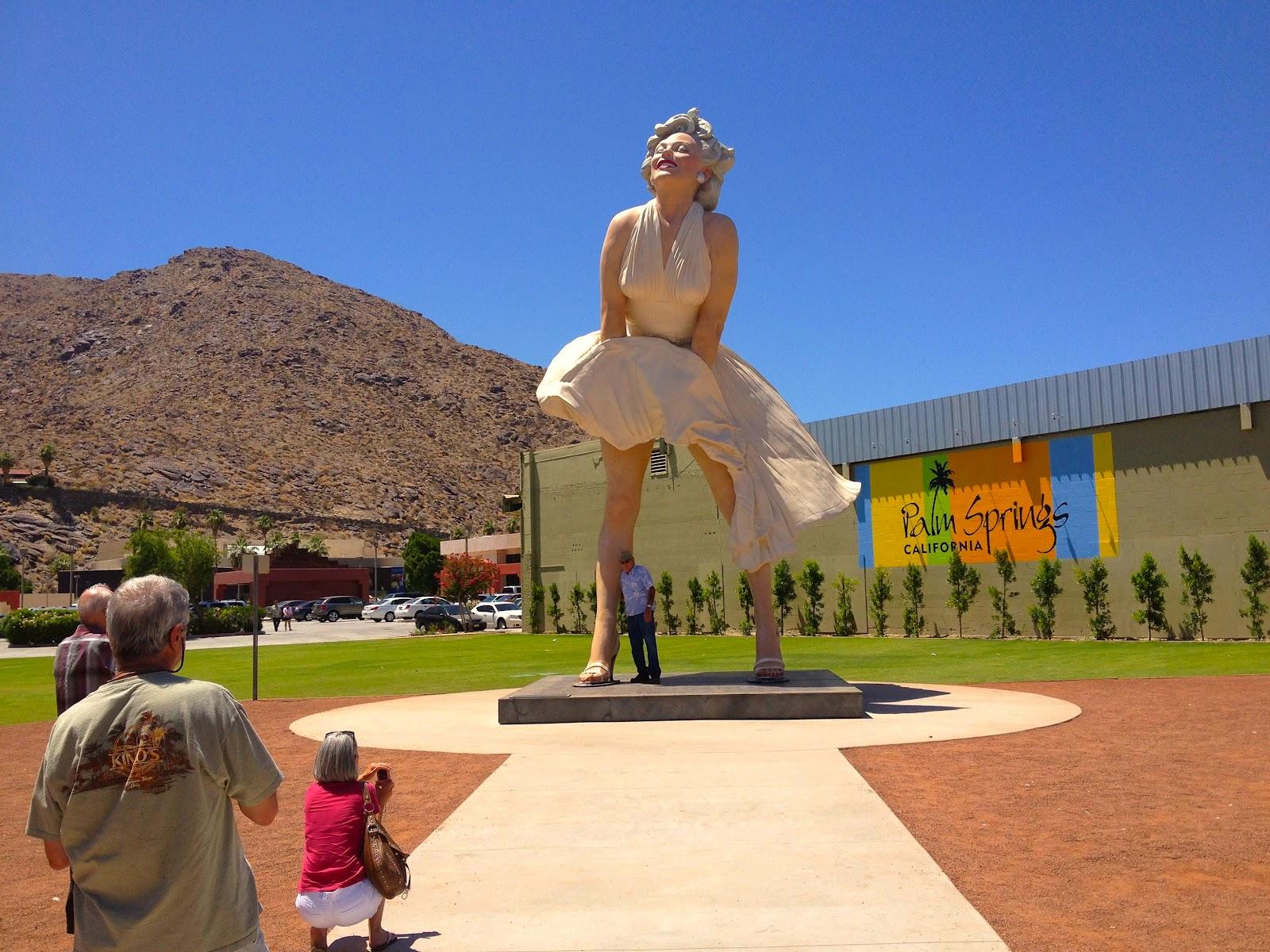 http://3.bp.blogspot.com/-CEyTYlywouk/T9QaYWdjcDI/AAAAAAAAbjA/b5X6eejke4I/s1600/marilyn-monroe-statue-palm-springs-ca.jpg