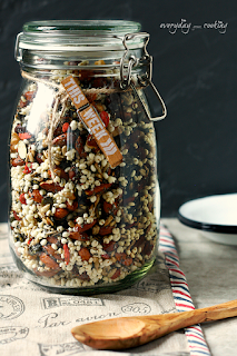 http://www.everydaycooking.pl/2015/11/granola-ulubiona.html