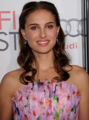 Natalie Portman Dangling Diamond Earrings