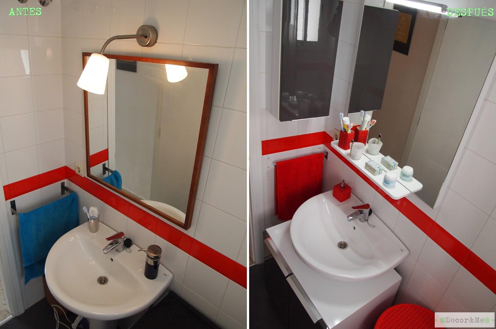 Decorar Baño Sin Obra:Al espejo le añadimos un aplique, de luz led, sencillo y cromado y