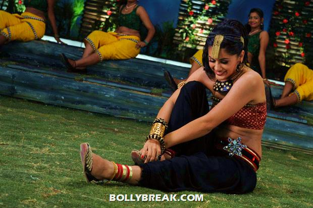 Tapsee Latest Navel Pics - Hot Dancing Stills