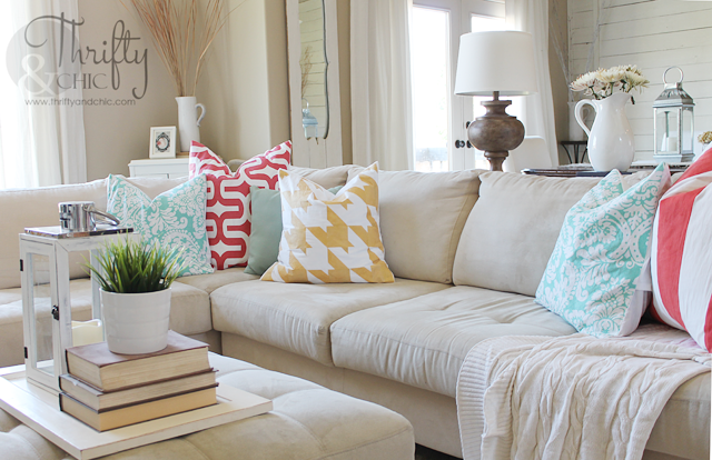 mixing pattern and color with pillows
