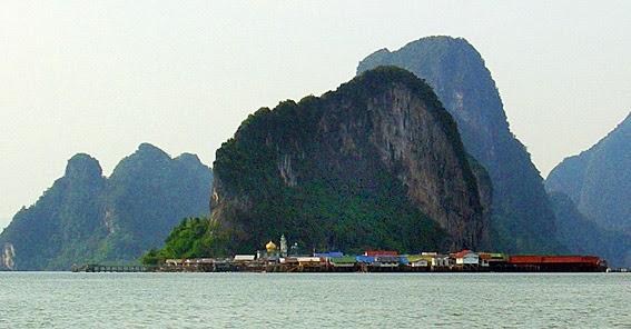 Ko Panyi built on stilts in Phang Nga Bay