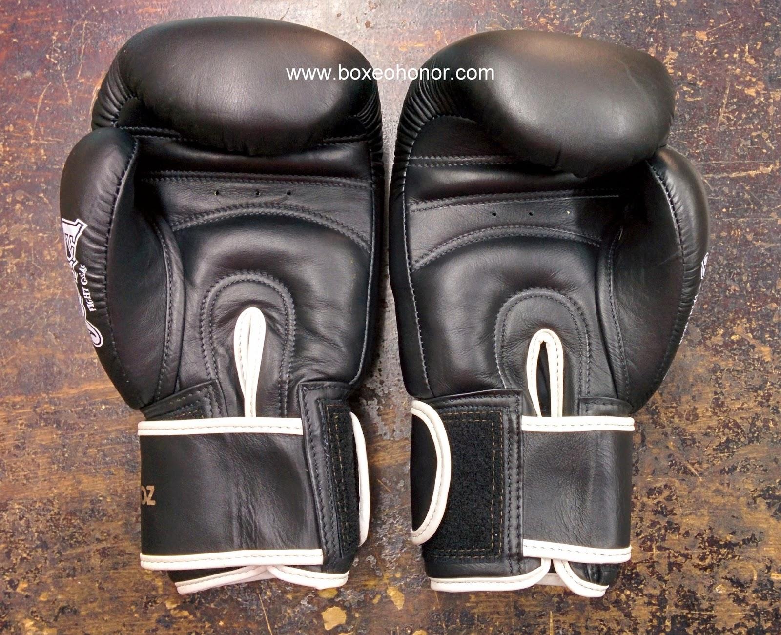 guantes de thai boxing joya