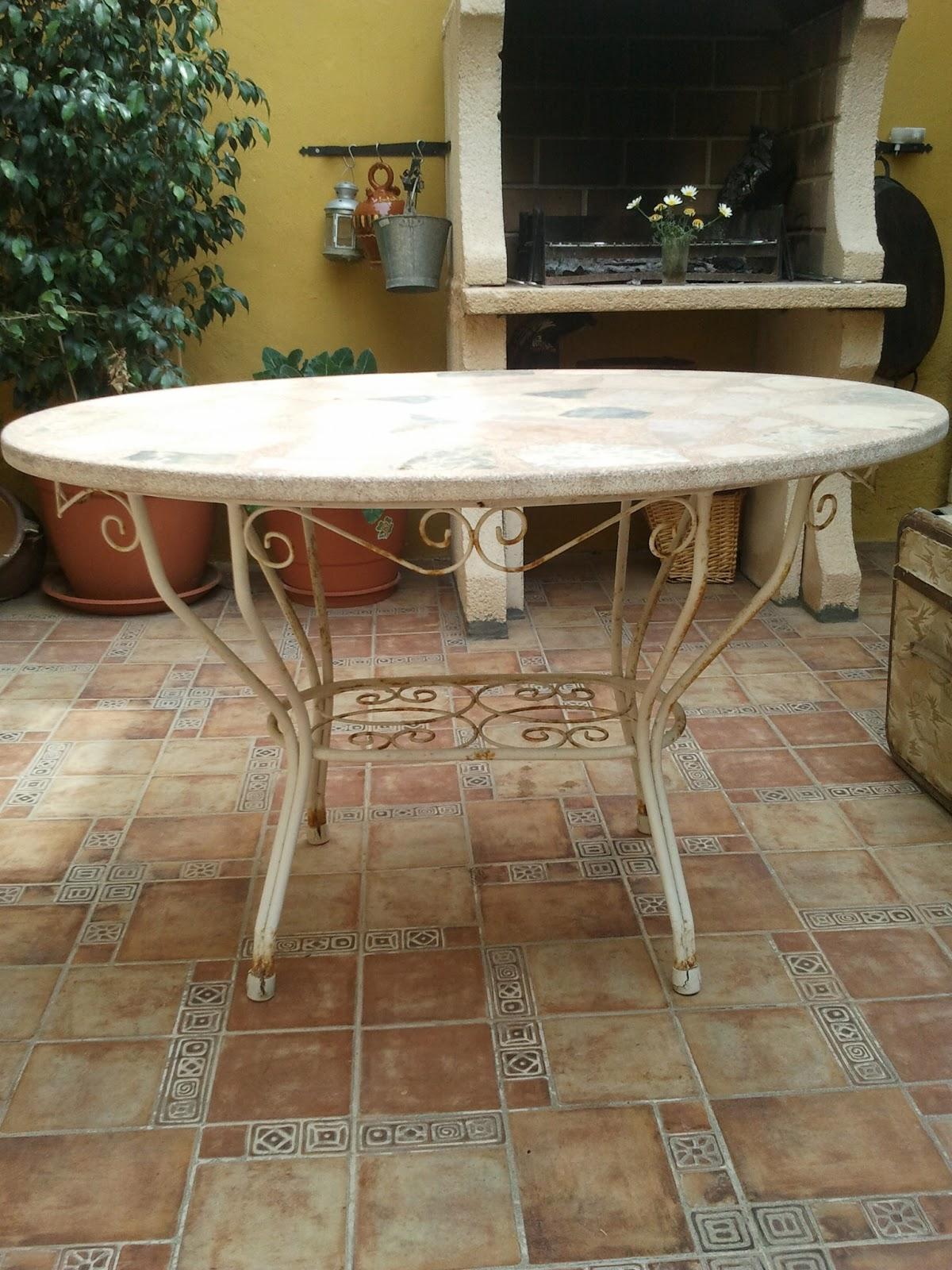 Regalando historia mesa de exterior vendida - Mesas de piedra para exterior ...