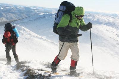 Tips Agar Tidak Kedinginan Mendaki Gunung