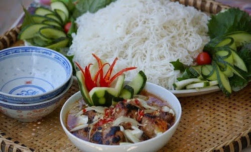 Grilled Pork with Rice Vermicelli (Bún Chả)
