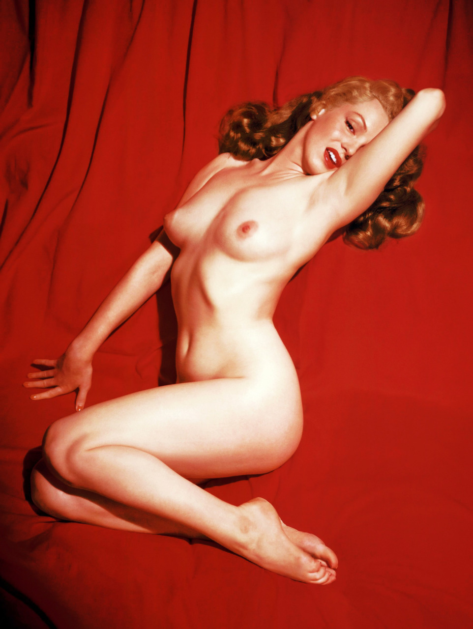 Marilyn monroe young naked curious question