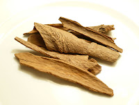 Cinnamon (Dalchini) home remedy for bad breath