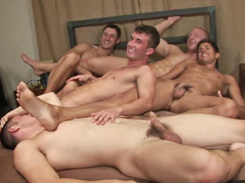Смотреть фото порно геи групповое 28987 фотография