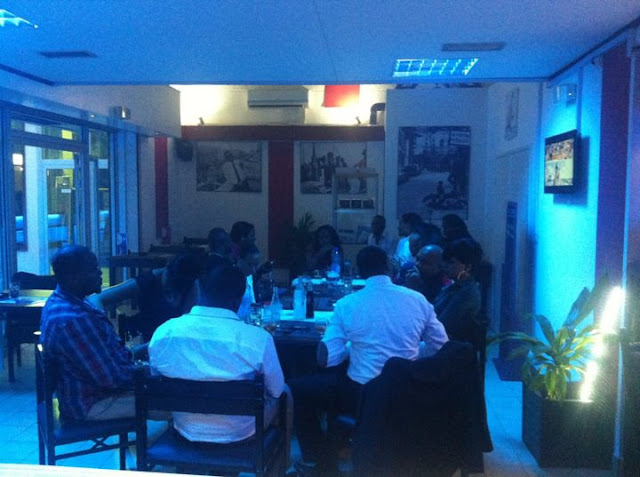 Café de France by Night - Douala- Restaurant - Les Marches d'Elodie