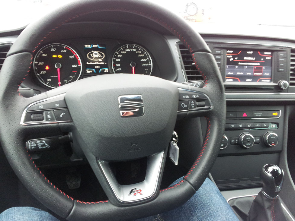 Car tests comprehensive quick to read - Seat leon interior ...