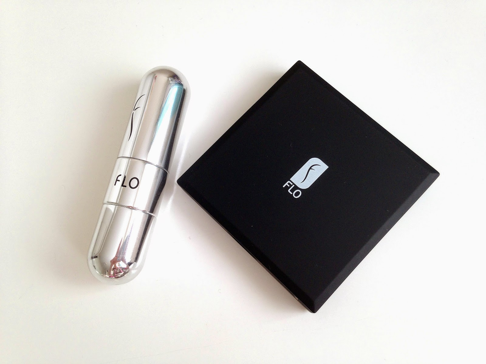 Flo Accessories Refillable Perfume Atomizer and Celebrity LED Mirror
