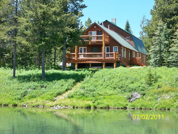 RIVER CABINS FOR SALE VS LAKE IN ISLAND PARK IDAHO And COMPARABLE ON THE WATER Below