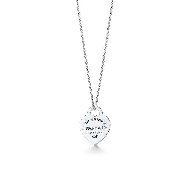 Pendentif plaque cœur -140€ - Tiffany&Co