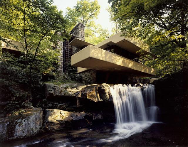 La Fallingwater House