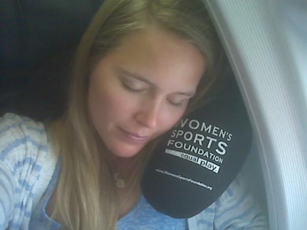 Cara Tidur Nyenyak di dalam Pesawat