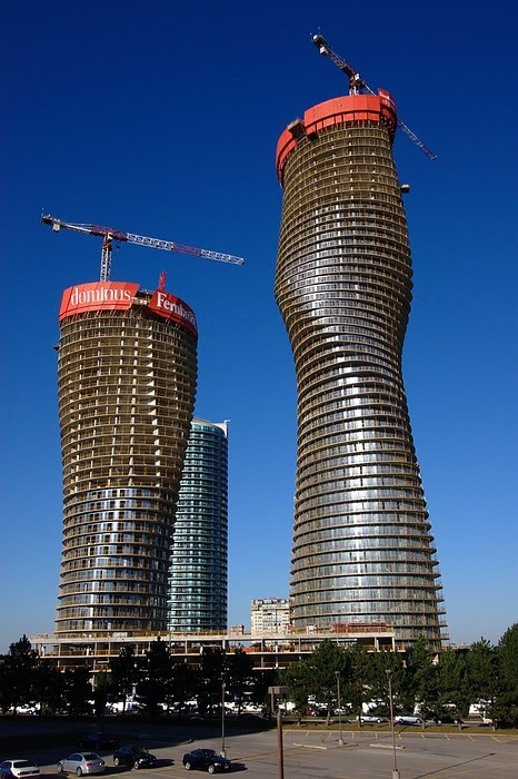 21st century architecture mississauga architecture an for Absolute towers