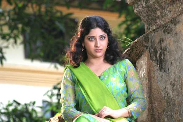 Lakshmi Gopalaswami: Divyaparameshwaran123: Lakshmi Gopalaswamy Sexy Expressions