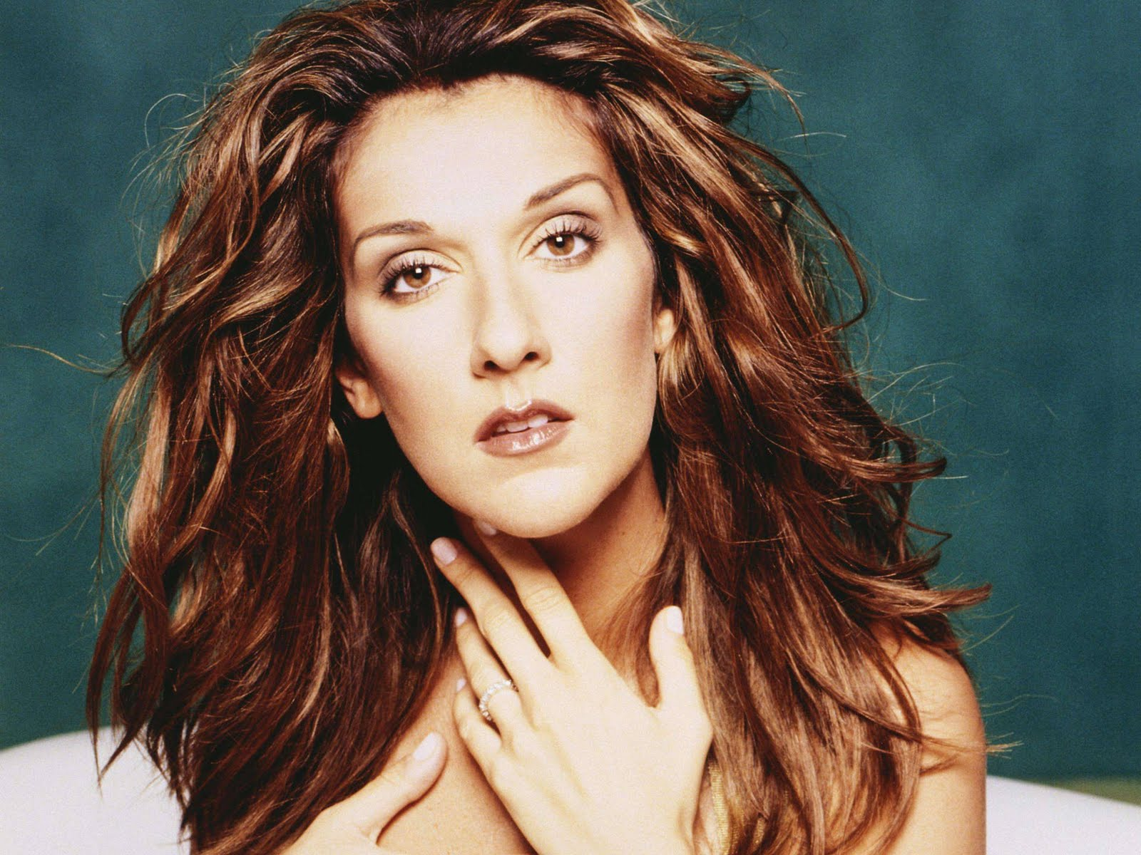 Celine Dion Hot Pictures, Photo Gallery & Wallpapers: Hot
