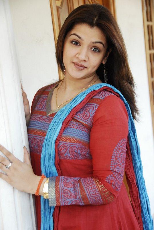 Aarti Agarwal Nude Photos 13