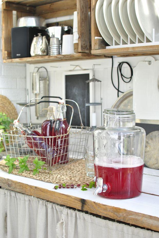 hannashantverk.blogspot.se glasburk med tappkran drink dispenser utekök röd krusbär saft