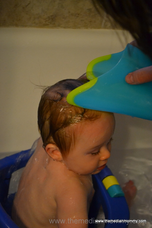 Tear Free Bath Time w/ Nuby\'s Rinse Pail - lo-wren