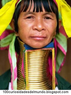 Padaung: las mujeres jirafa de las tribus Kayan, Karen o Karenni.