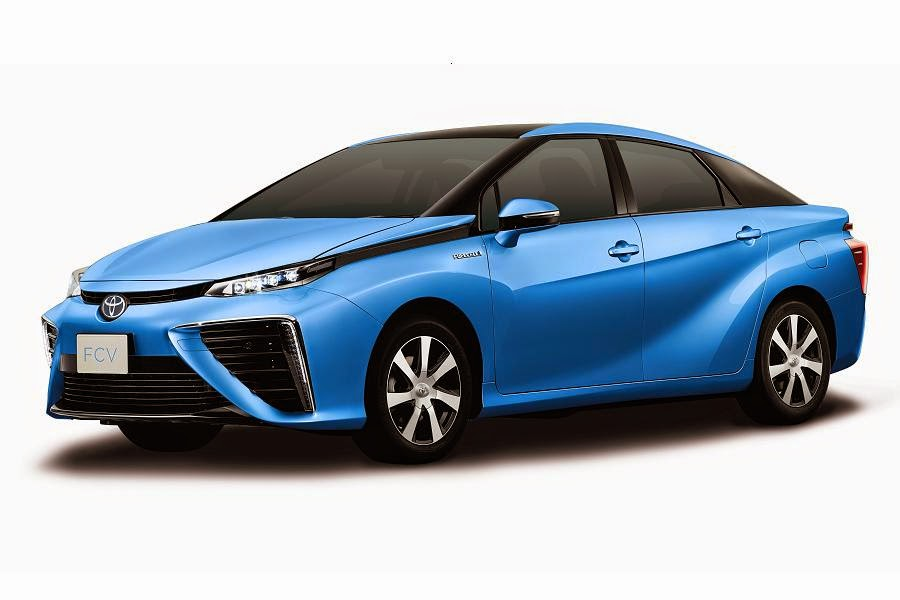 Toyota Fuel Cell Sedan (2015) Front Side