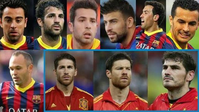 وهذه صورة للاعبي ريال مدريد و برشلونة في منتخب اسبانيا
